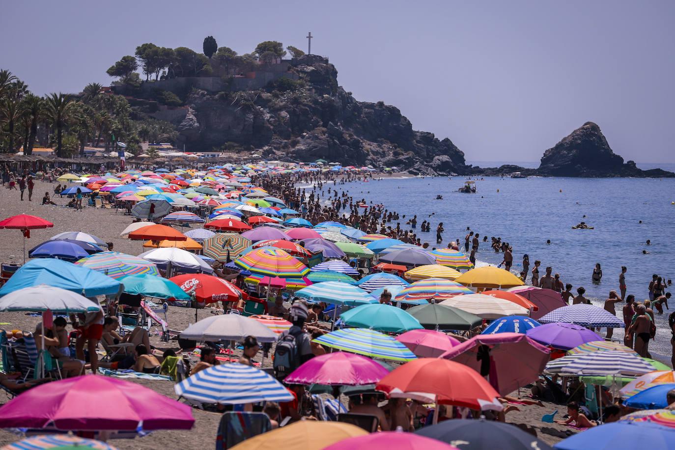 Los hoteles de la Costa se llenan en agosto a pesar de que hay menos turistas extranjeros