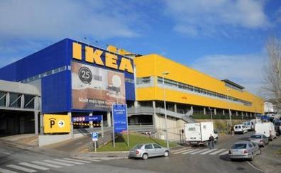 ¿Por qué Ikea deja de regalar sus famosos 'mini lápices' y su metro?