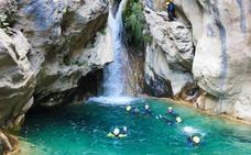 Río Verde: una refrescante ruta con pozas de aguas cristalinas y árboles petrificados