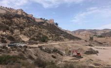 El entorno de la Hoya, a los pies de La Alcazaba, deja de ser un vertedero