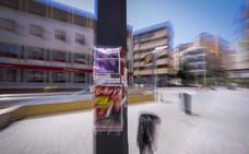 Multas de hasta 3.000 euros por pegar publicidad en las farolas de Motril