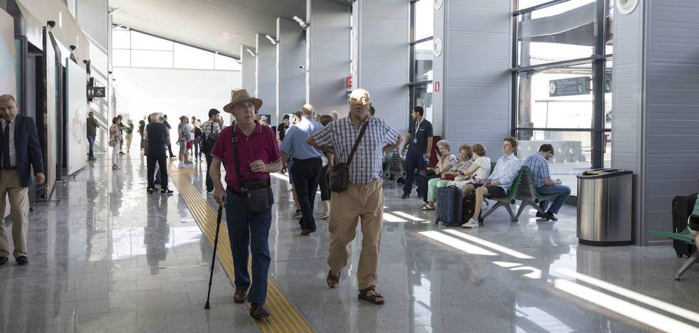 Sin cafetería en la estación de tren de Granada al menos durante 45 días