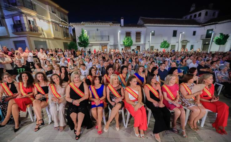 Las Gabias rinde homenaje a las reinas de las fiestas de todas las décadas