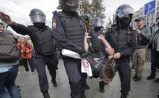 Nueva jornada de protesta caldea el ambiente en Moscú