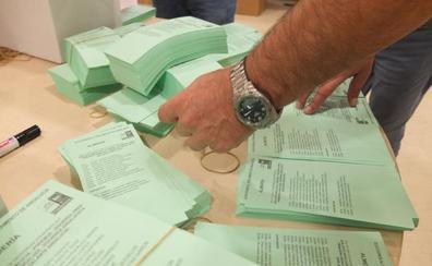 La mitad de los almerienses no aprueba el pacto PP, Cs y Vox para gobernar Andalucía
