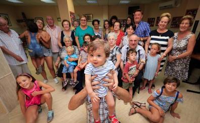 Solo uno de cada cinco pueblos de Granada tiene más niños que jubilados
