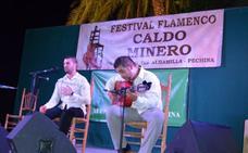 Dos mil personas disfrutan del Caldo Minero de Pechina con el Titi y Capullo de Jerez