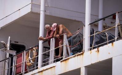 Un barco ruso, convertido en la 'cárcel' de una tripulación en Motril sin dinero para volver a casa