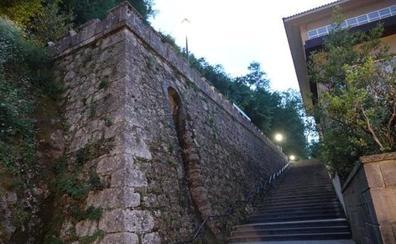 Fallece un niño de tres años al caer desde cuatro metros en Covadonga