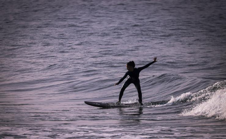 Vera Izquierdo, una granadina entregada al surf