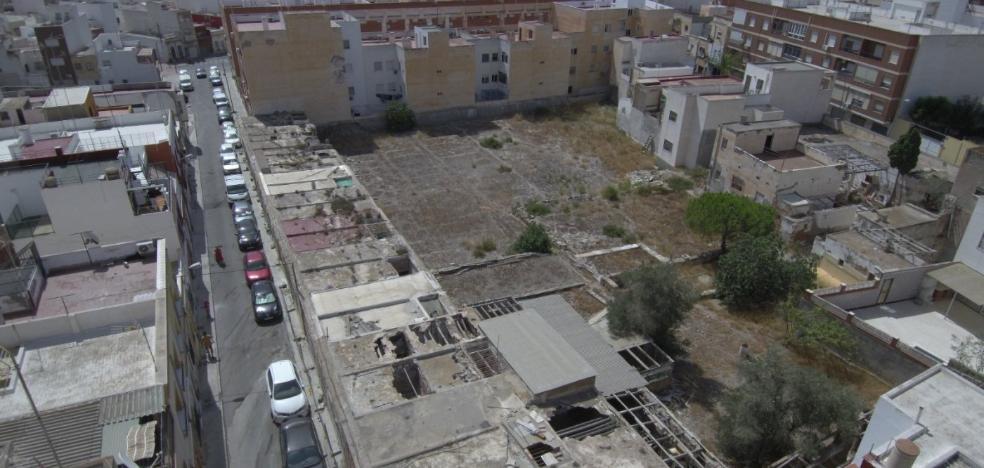 Urbanismo da luz verde al derribo de 13 viviendas en estado de ruina
