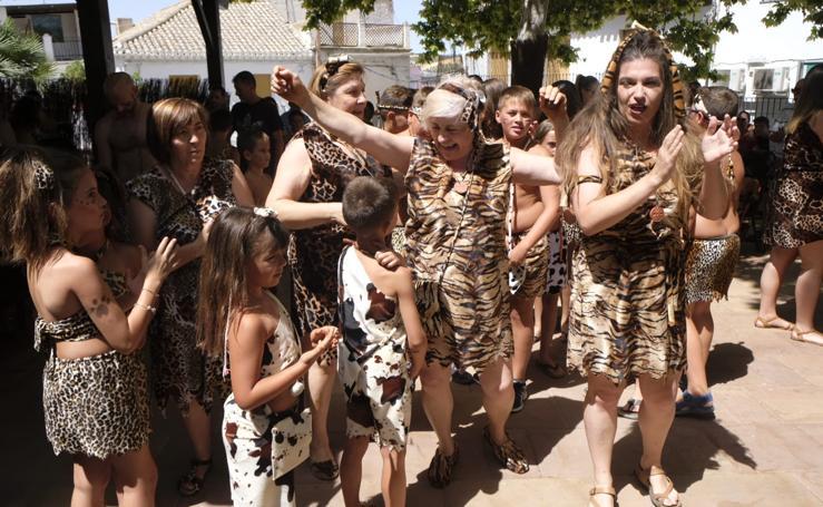 Píñar se divierte con su fiesta del Día de la Prehistoria