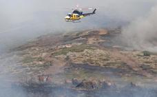 La pericia de un piloto salva una veintena de caballos de morir quemados en La Granja