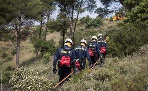 Los 'cirujanos' que luchan contra el fuego en Granada