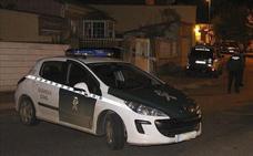 Se empotra contra un coche de la Guardia Civil mientras participaba en una carrera ilegal