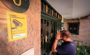 La Policía detiene a dos georgianos como autores de los robos masivos en pisos en Granada