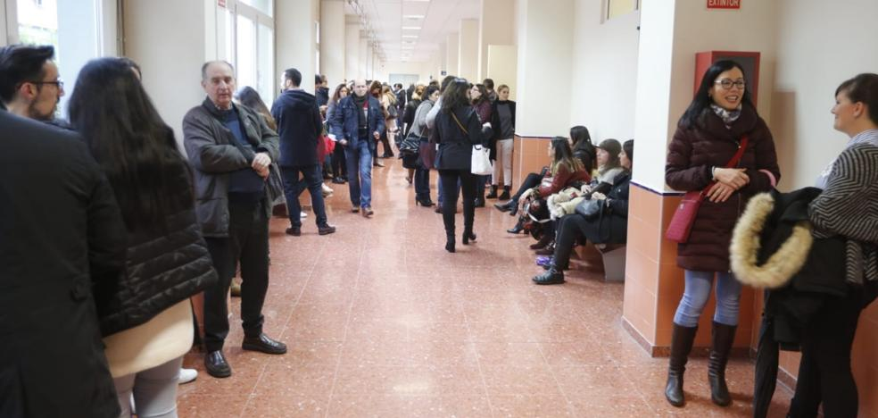 La UGR anuncia el plazo de inscripción para las oposiciones de auxiliar de administrativo