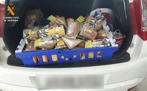 Roban un furgón cargado de sándwiches a un repartidor que se dejó las llaves puestas en Granada