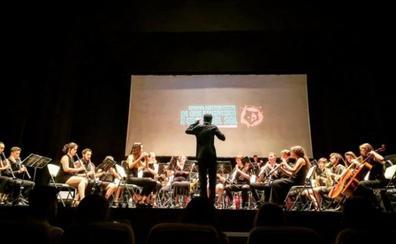La Banda Sinfónica Ciudad de Jaén tira de 'Juego de Tronos' para encandilar a Estepona