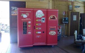 La máquina que expide pizzas en 3 minutos llega a España