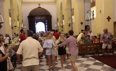 Almuñécar colma de flores a su Virgen