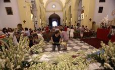 Almuñécar colma de flores a su Virgen de la Antigua