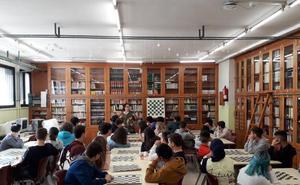 Más de 13.600 alumnos almerienses descubren el ajedrez con AulaDJaque