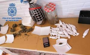 Desmantelado un 'supermercado' de droga activo las 24 horas del día en Almería