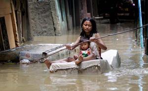 Yakarta se hunde bajo las aguas