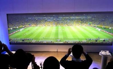 Dónde ver los partidos de fútbol de La Liga en televisión: guía de todas las competiciones y ofertas