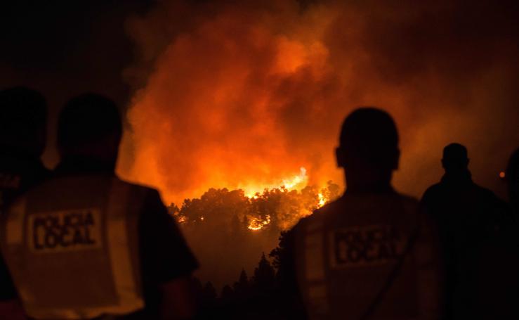 Las impactantes imágenes del fuego en Gran Canaria