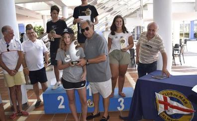 Más de 70 participantes en el concurso de pesca infantil de Almería