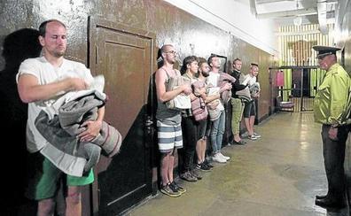 Presos por placer: la moda del turismo en las cárceles