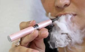 Investigan 100 casos de raras enfermedades pulmonares que pueden tener relación con el vapeo