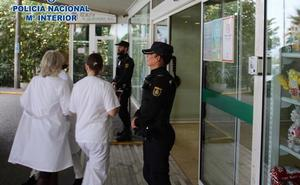 Dos arrestados por cometer cinco agresiones en dos hospitales de Granada