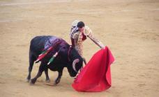 La tarde de toros del lunes de Feria en Almería, foto a foto