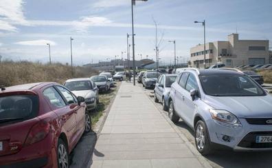 Los vecinos del PTS piden más aparcamiento antes de abrir la Avenida de Dílar
