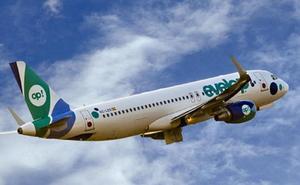 Un avión cae en picado durante 300 metros y 30 pasajeros acaban heridos y atendidos en Barajas