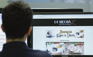 'La Mechá' mantiene en su web sus productos dos días después de la alerta nacional sanitaria