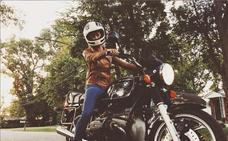 Una 'influencer' tiene un accidente de moto y cuelga las fotografías del momento en Instagram