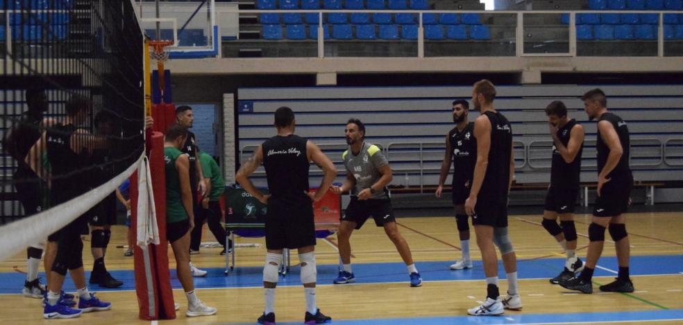 El balón ya 'conoce' al nuevo Unicaja Costa de Almería
