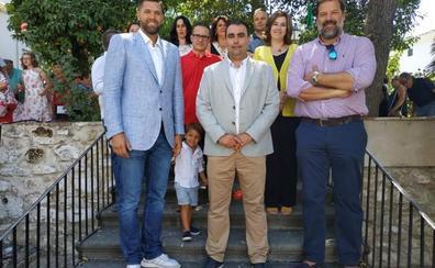 Canena nombra hijos adoptivos a los hermanos Alfonso y Felipe Reyes