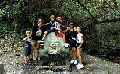 La Fuente de la Gaseosa de Ferreirola se convierte en uno de los lugares más visitados de La Alpujarra