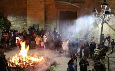 Las lumbres regresarán al día de San Antón para quien lo solicite