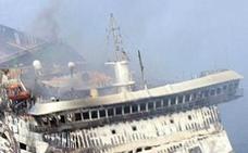 Al menos tres muertos y 69 desaparecidos tras incendiarse un ferry en Filipinas