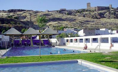 La piscina del Tomillo seguirá abierta una semana más a petición de los vecinos