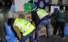 Cuatro británicos detenidos por transportar hachís en su barco: 1.500 kilos de droga incautados