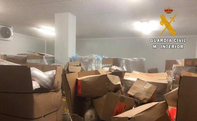 Intervienen 22,5 toneladas de alimentos de una nave sin registro que abastecía a restaurantes de kebab de Almería