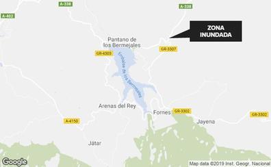 Cortada la circulación en la A-338 en Arenas del Rey por lluvias