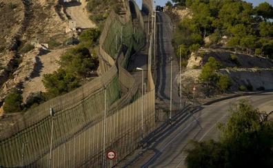 Vallas más seguras sustituirán en 2020 a las concertinas de Ceuta y Melilla